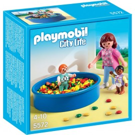 PLAYMOBIL - CITY LIFE - BASEN Z PIŁECZKAMI - 5572
