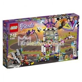 LEGO® - FRIENDS - DZIEŃ WIELKIEGO WYŚCIGU - 41352