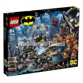 LEGO® - DC COMICS SUPER HEROES - ATAK CLAYFACE'A™ NA JASKINIĘ BATMANA - 76122