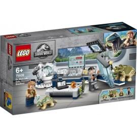 LEGO® - JURASSIC WORLD™ - LABORATORIUM DOKTORA WU: UCIECZKA - 75939