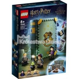 LEGO® - HARRY POTTER™ - CHWILE Z HOGWARTU: ZAJĘCIA Z ELIKSIRÓW - 76383